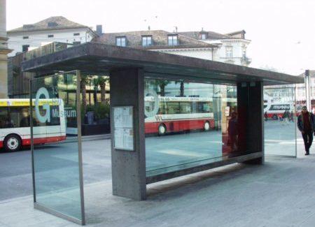 Wartehäuschen Bushaltestelle Winterthur Seitenansicht