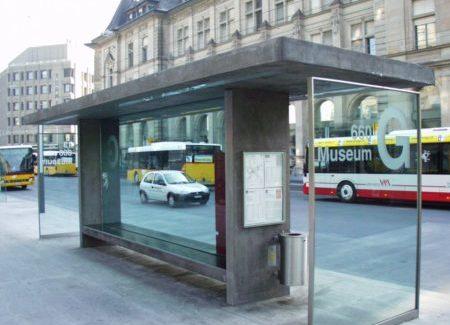 Wartehäuschen Bushaltestelle Winterthur Frontansicht