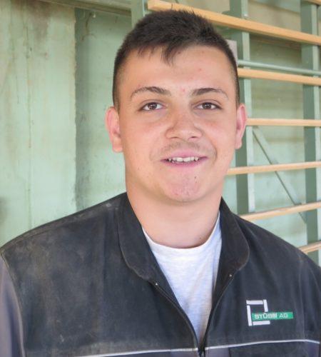 Selmo Jakupovic, angehender Betonwerker im 1. Lehrjahr
