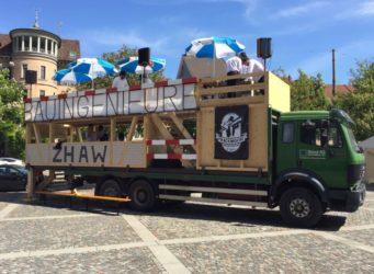 Das Frackmobil am Technikum in Winterthur.