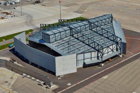 Vorfabrizierte Betonelemente by STÜSSI am Flughafen Zürich, Foto: ralphbensberg fotografie