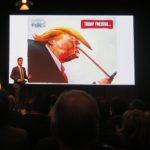 Tobias Müller führte zusammen mit dem Google-Sprachassistent durch den Abend.