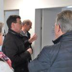 Rudolf Stüssi erläutert Gästen das Projekt